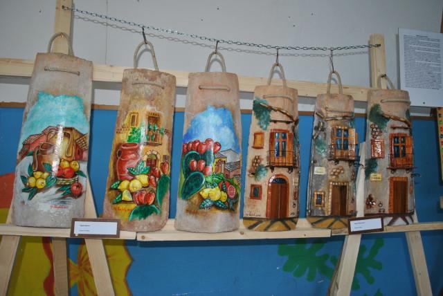 Mostra d'arte collettiva 2013-2014-tegole dipinte